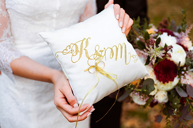 personalised-glitter-ring-pillow