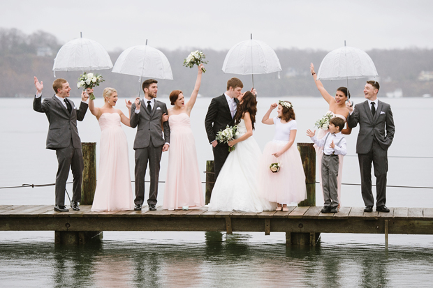 rainy-day-weddings-bridal-party-with-umbrellas