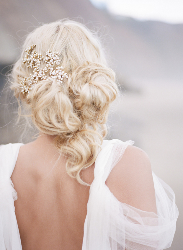 sparkly-diamante-bridal-hairpiece