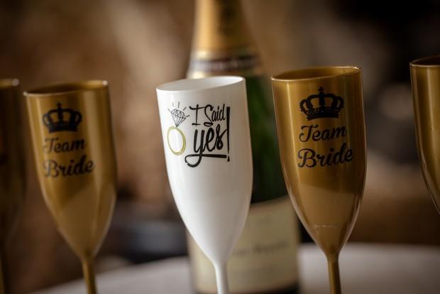 team-bride-champagne-glasses