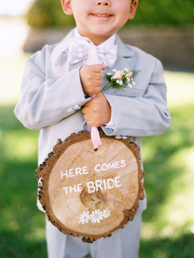 wooden-here-comes-the-bride-sign