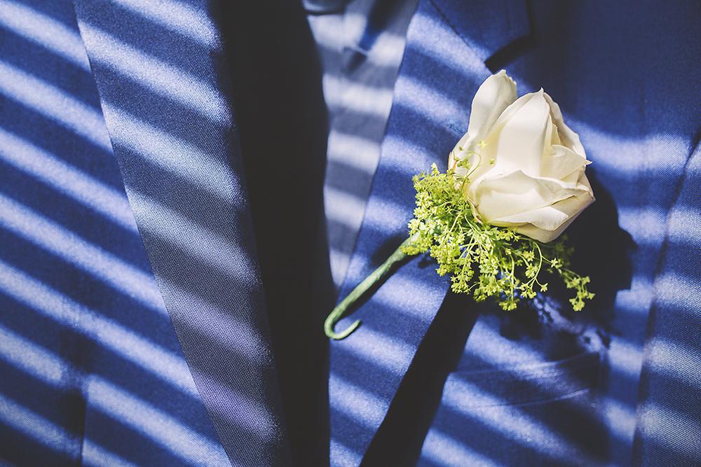 09-Navy-Grooms-Wedding-Suit-Cream-Rose-Boutonniere