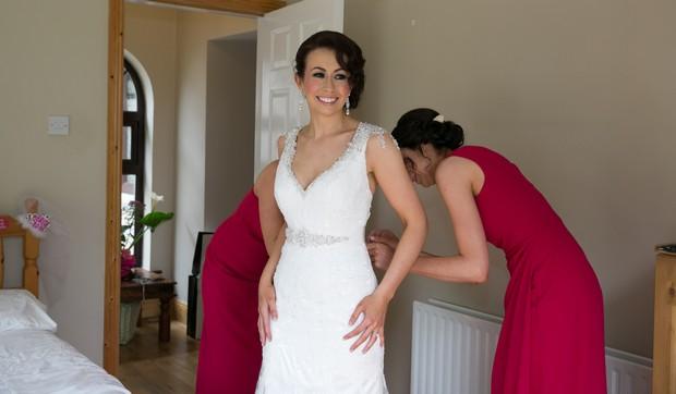 12-real-bride-getting-ready-dress-fitting-weddingsonline (1)