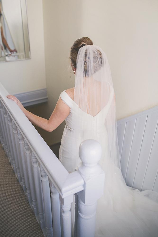 13-Pretty-bride-mirror-stairs-photo-weddingsonline (2)