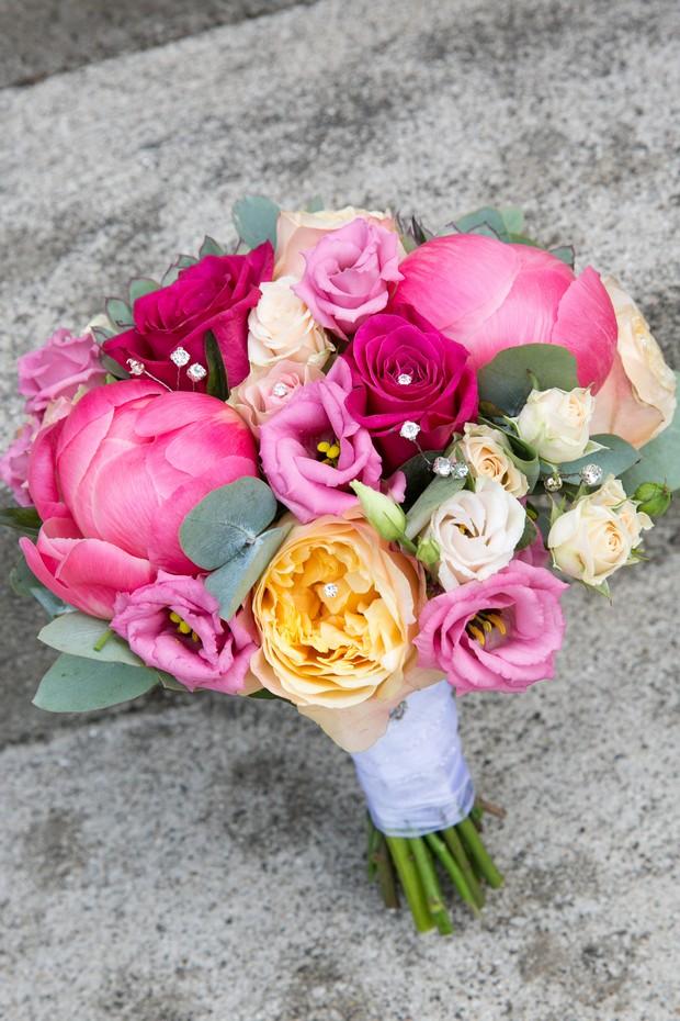 16-Irish-bride-summer-wedding-colourful-theme-weddingsonline (4)
