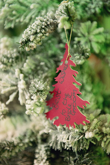 30-christmas-themed-wedding-ideas-paper-tree-decorations-guest-book-weddingsonline