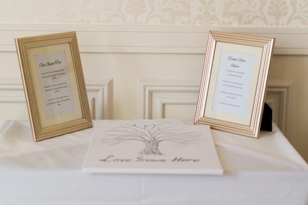 33-white-on-white-simple-chic-wedding-decor-winter-wedding-style (2)