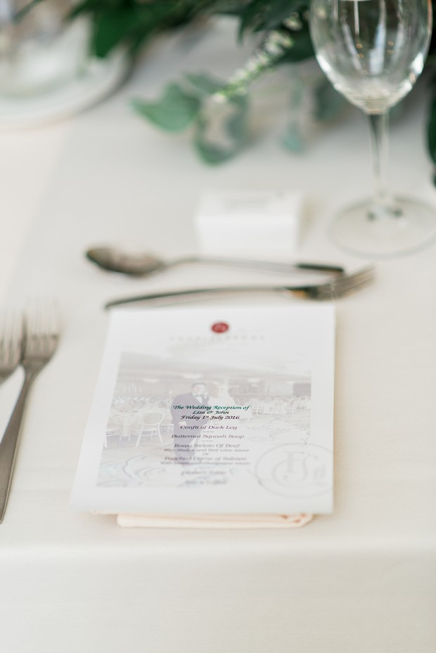 33-white-on-white-simple-chic-wedding-decor-winter-wedding-style (5)
