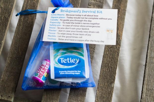 8-DIY-bridesmaid-survival-kit-wedding-morning-gift-tea-weddingsonline