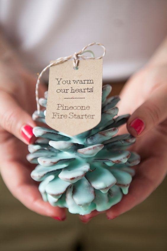 Winter-Wedding-Favours-Pinecone-Fire-Starter