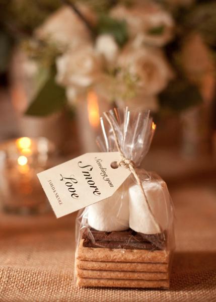 Winter-Wedding-Favours-Smores-DIY-Edible