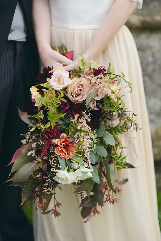 autumn-wedding-bouquet-oversized-mixed