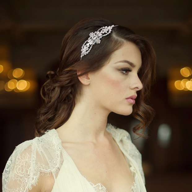 bridal-hair-accessories-chic-elegant-pearl-crystal-side-headband