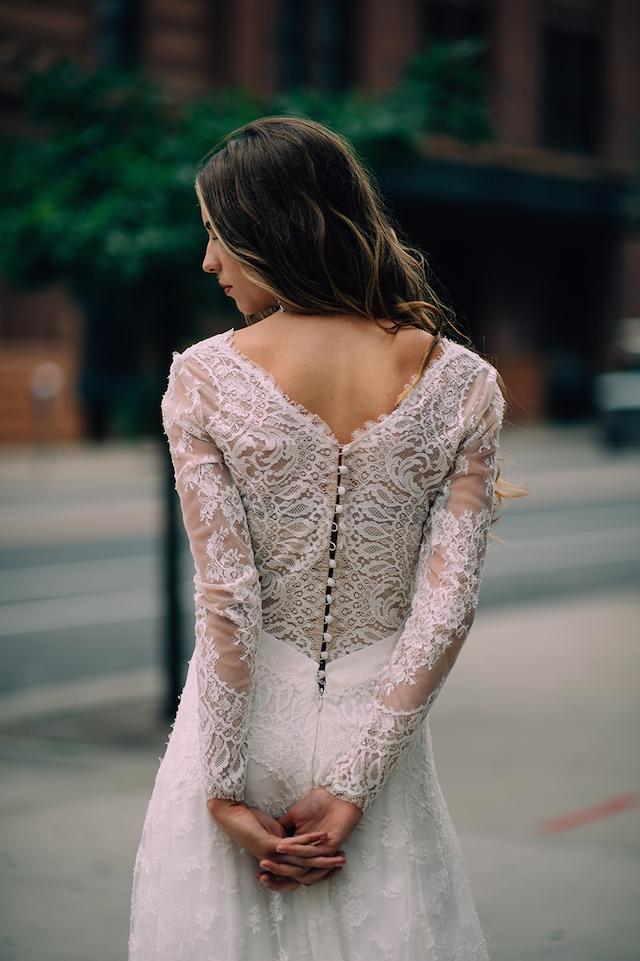 carolina-herrera-vestido-de-novia-de-encaje-en-la-espalda