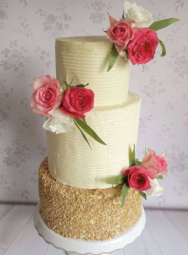 gold-and-buttercream-weddign-cake-victorias-heavenly