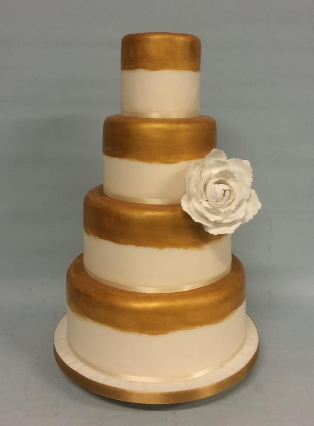 gold-metallic-wedding-cake-amazing-cakes