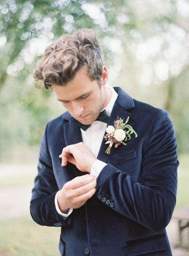groom-in-navy-velvet-blazer-autumn-winter-groom-style