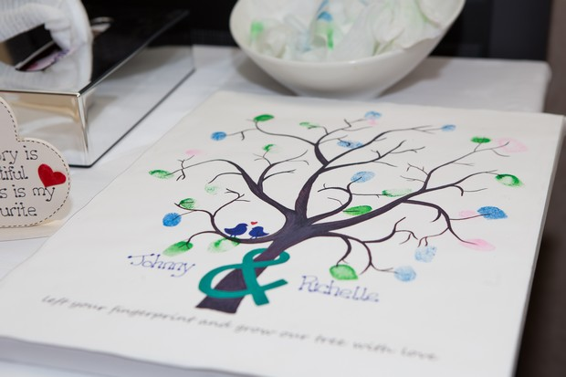 hamlet-court-hotel-real-wedding-finger-print-tree