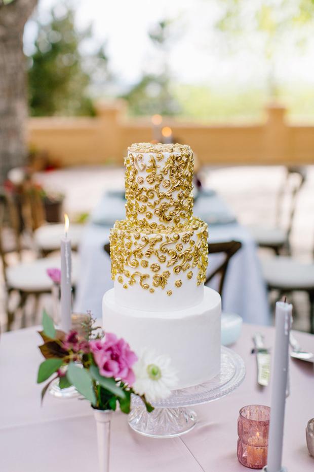 ivory-emebllished-wedding-cake