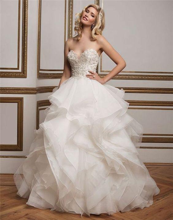 justin-alexander-falda-en-capas-vestido-de-novia-invierno-weddingsonline