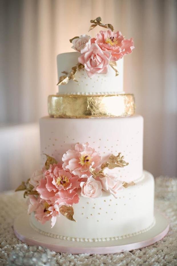metallic-gold-and-ivory-wedding-cake