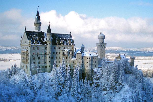 neuschwanstein-castle-winter-honeymoon