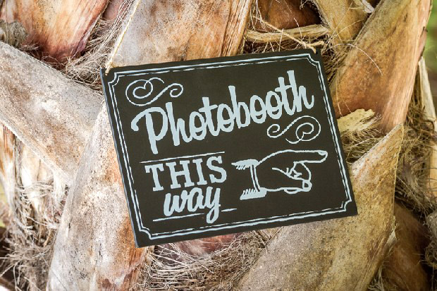 photobooth-wedding-sign