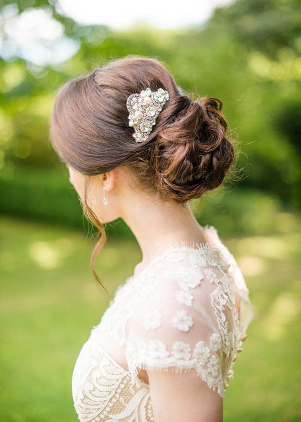 Ruffled - photo by http://www.weddingbelles.co.uk/ - http://ruffledblog.com/english-countryside-wedding-inspiration/