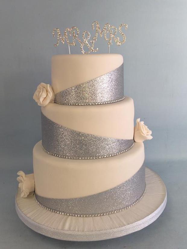 silver-and-ivory-glittery-wedding-cake-amazing-cakes