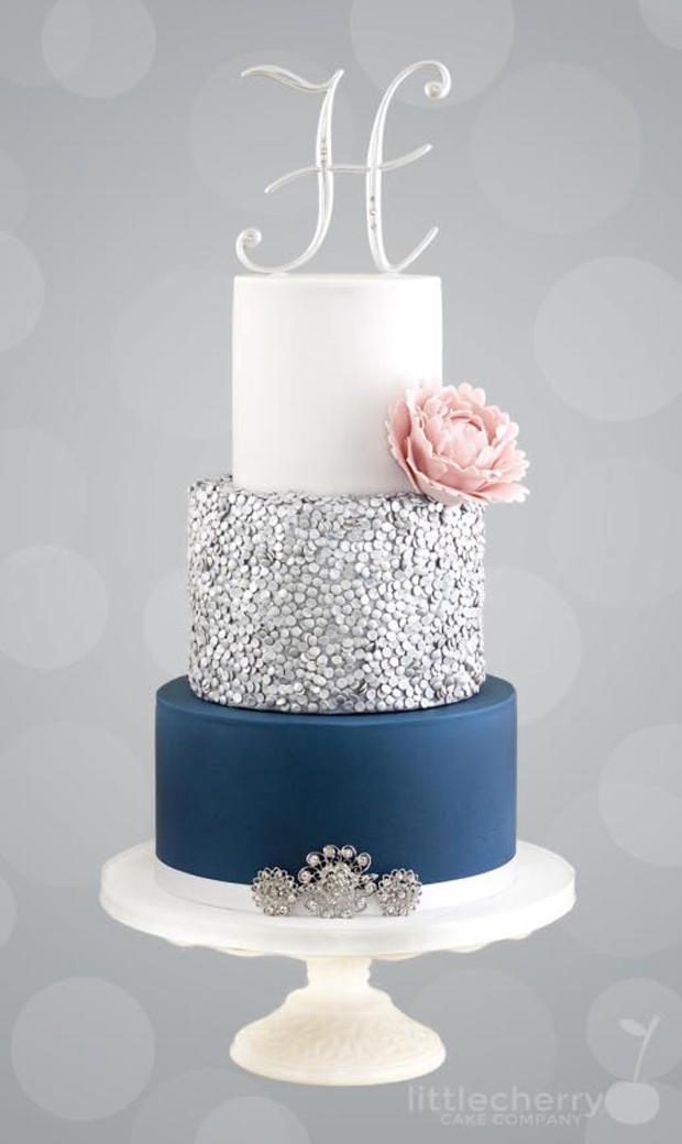 silver-detail-wedding-cake
