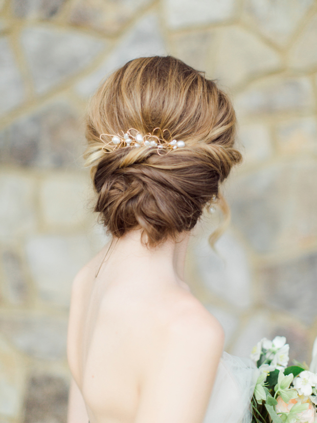 soft-and-romantic-bridal-updo-with-pearl-and-gold-hair-piece