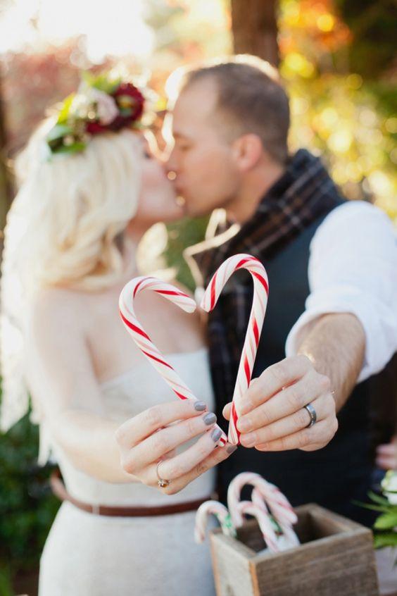 winter-wedding-ideas-4-candy-canes-weddingsonline