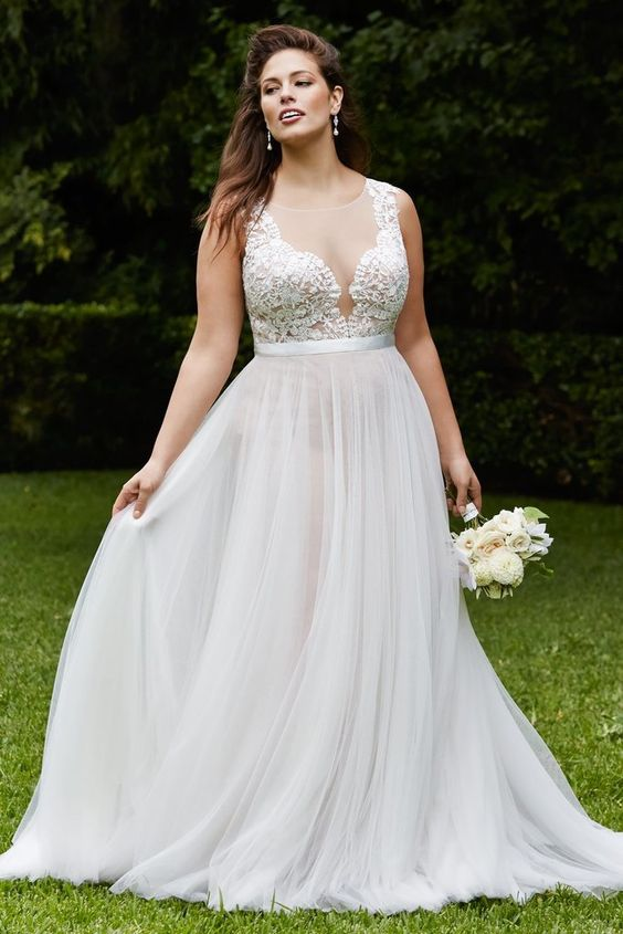 14 Fabulous Plus Size Wedding Dresses for 2017 Brides | weddingsonline