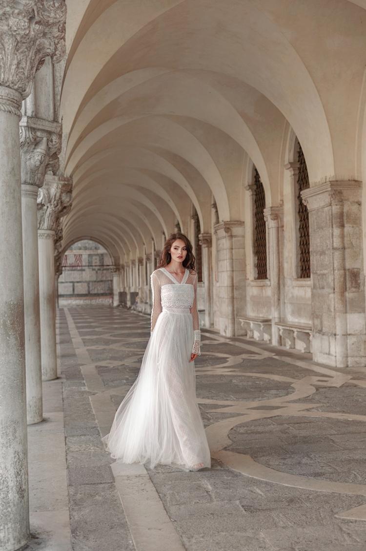 Divine-Atelier-Modern-Boho-vestidos de novia-2017-weddingsonline