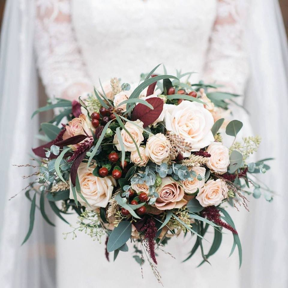 Winter-Wedding-Bouquet-Ireland-Bloomsday-weddingsonline