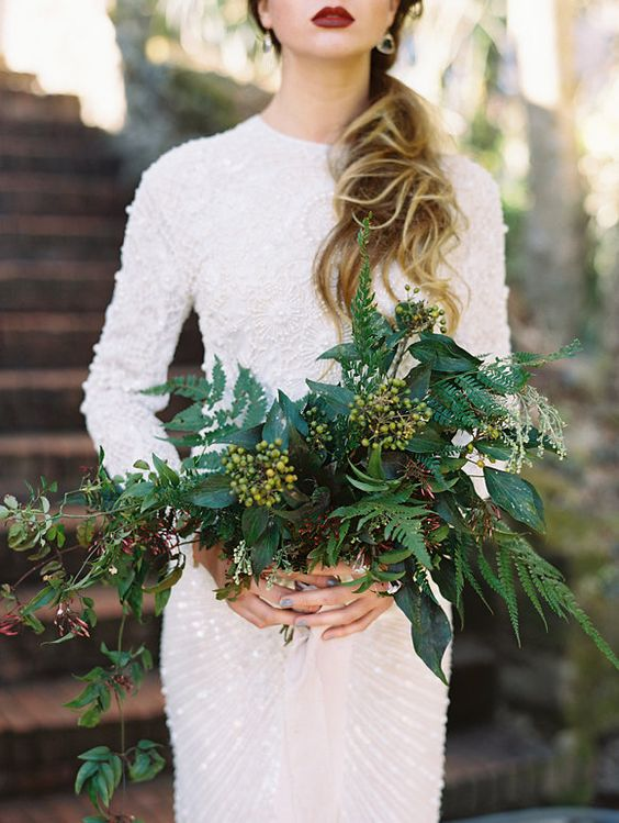Winter-Wedding-Bouquet-Unique-Greenery-weddingsonline