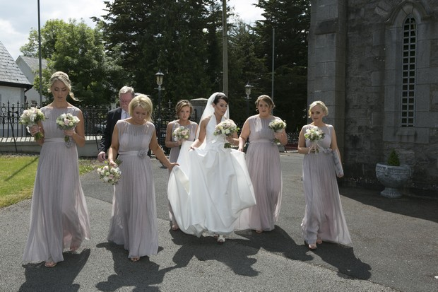bridal-party-arriving-at-church