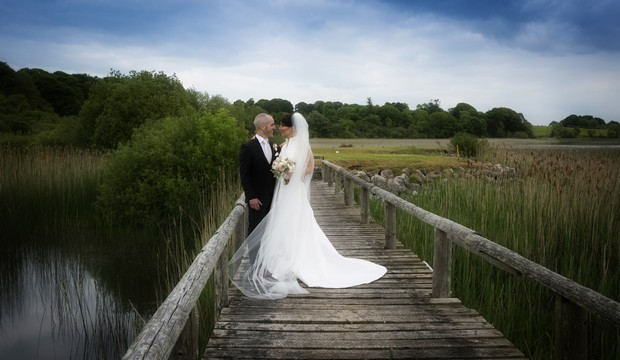 bride-groom-glasson-bridge