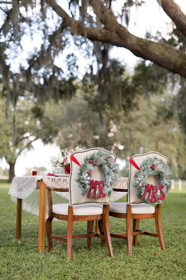 christmas-wedding-chair-decor-wreaths