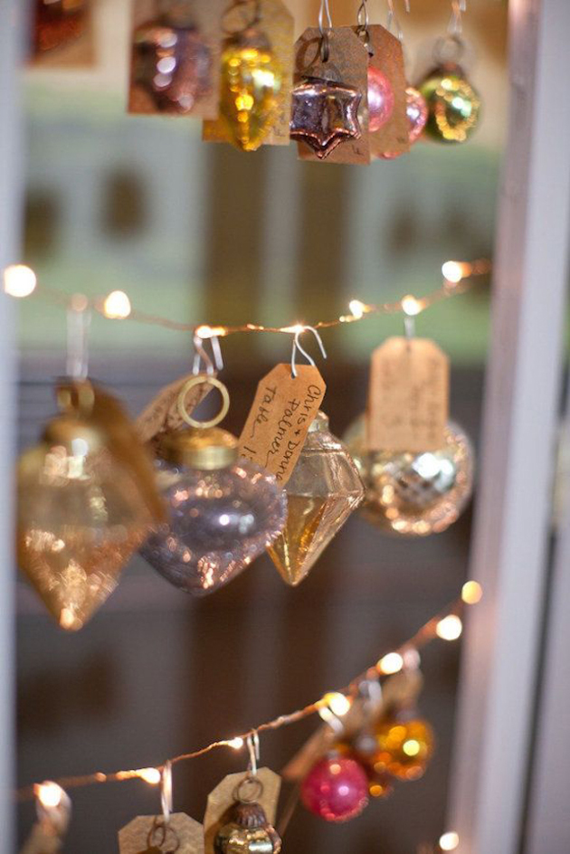 christmas-wedding-ideas-ornament-escort-cards