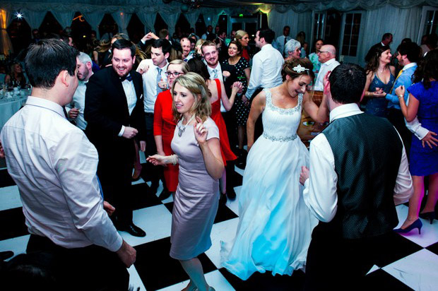 dance-floor-tips-hire-a-professional-wedding-band-DJ