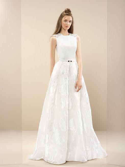 inmaculada-garcia-2017-Ireland-wedding-dress-sumire-weddingsonline