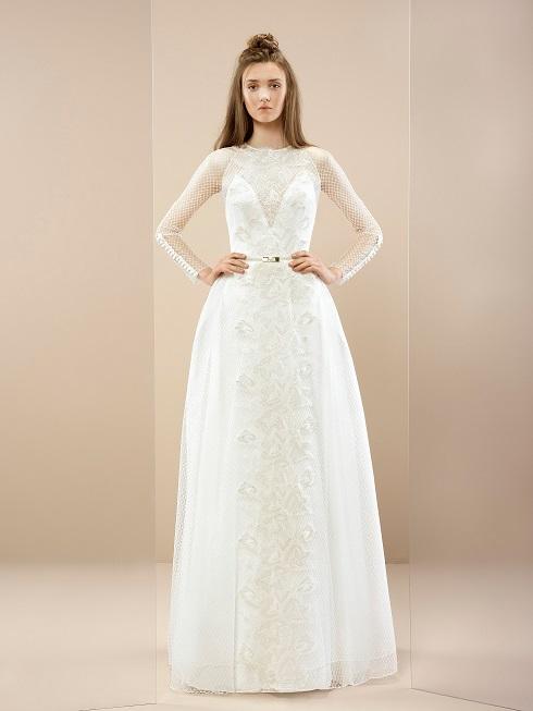 inmaculada-garcia-Ireland-2017-wedding-dress-akane-weddingsonline
