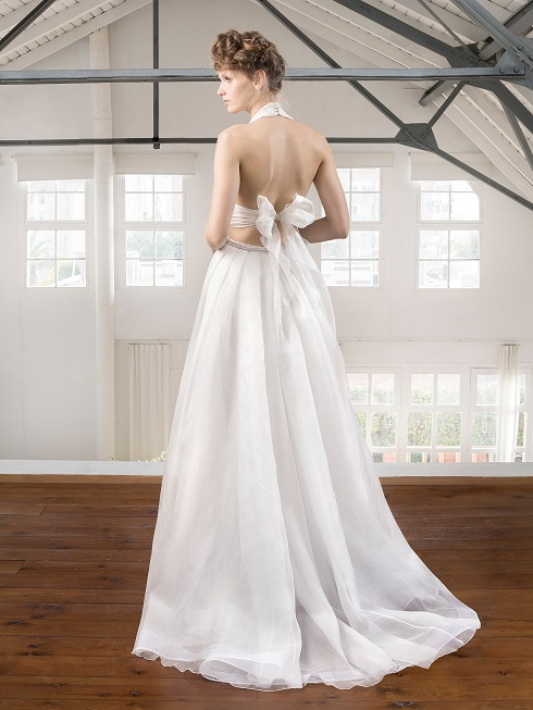 inmaculada-garcia-barcelona-hinata-back-weddingsonline