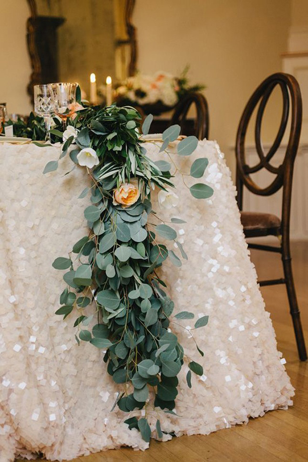 sparkly-sequin-table-cloth-wedding