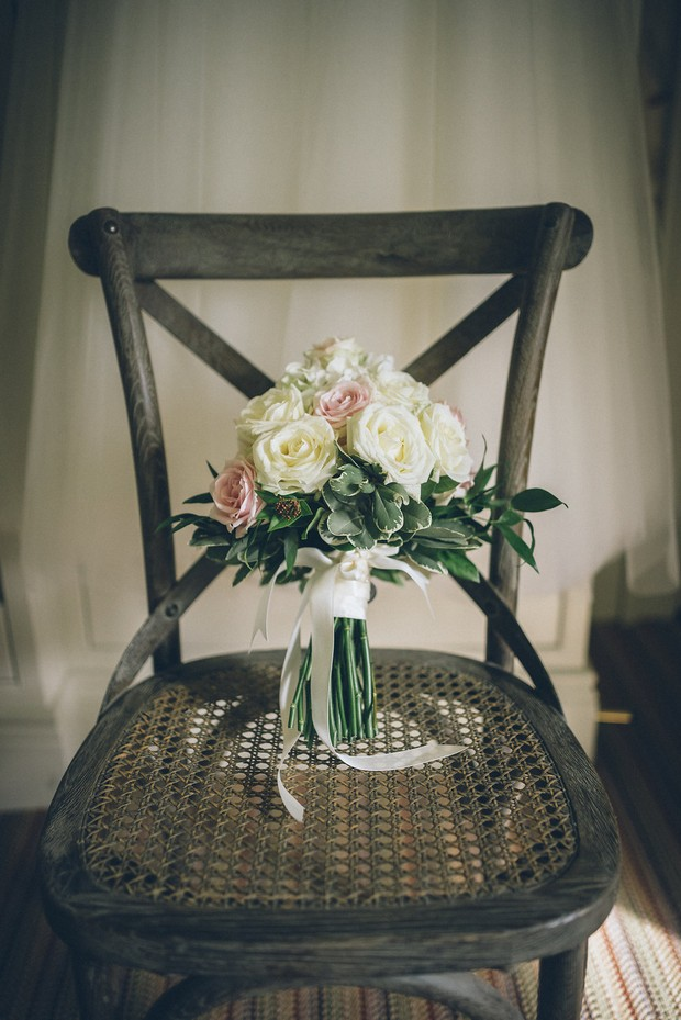 14-Wedding-bouquet-Virginia-Park-Hotel-weddingsonline