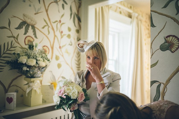 17-mother-of-the-bride-first-look-wedding-photo-Emma-Russell-Photography-weddingsonline