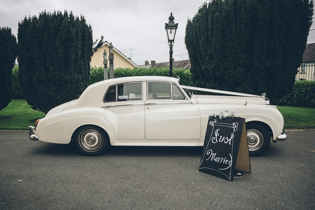 23-Vintage-White-Wedding-Car-Cassidy-Chauffeurs-Ireland-weddingsonline