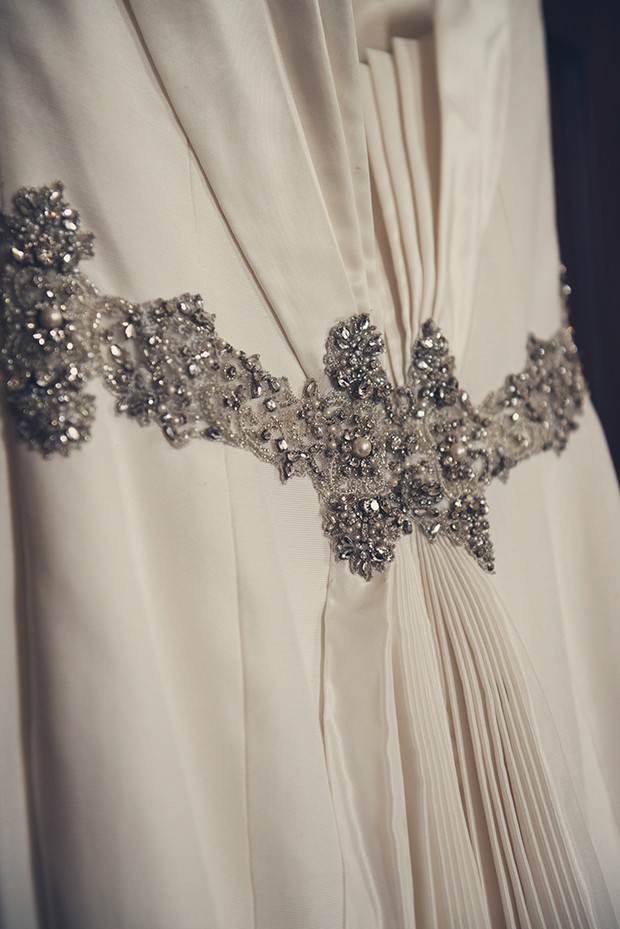 9-wedding-dress-details-vintage-art-deco-belt-pleats-weddingsonline