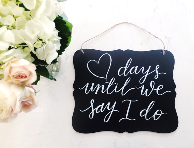 engagement-gift-wedding-countdown-sign